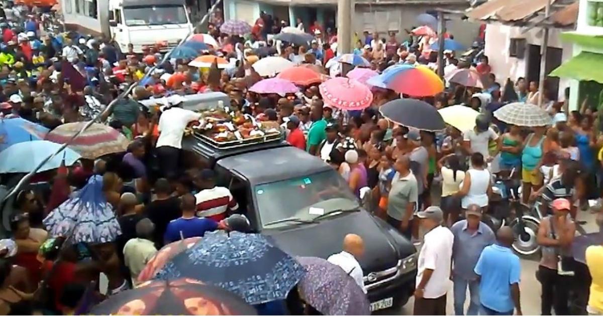 El pueblo de Palma Soriano reclama justicia luego del asesinato de motorista