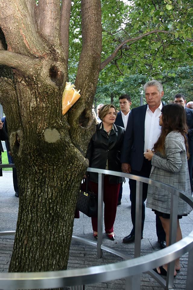 Diaz canel recorre nueva york de la mano de su esposa