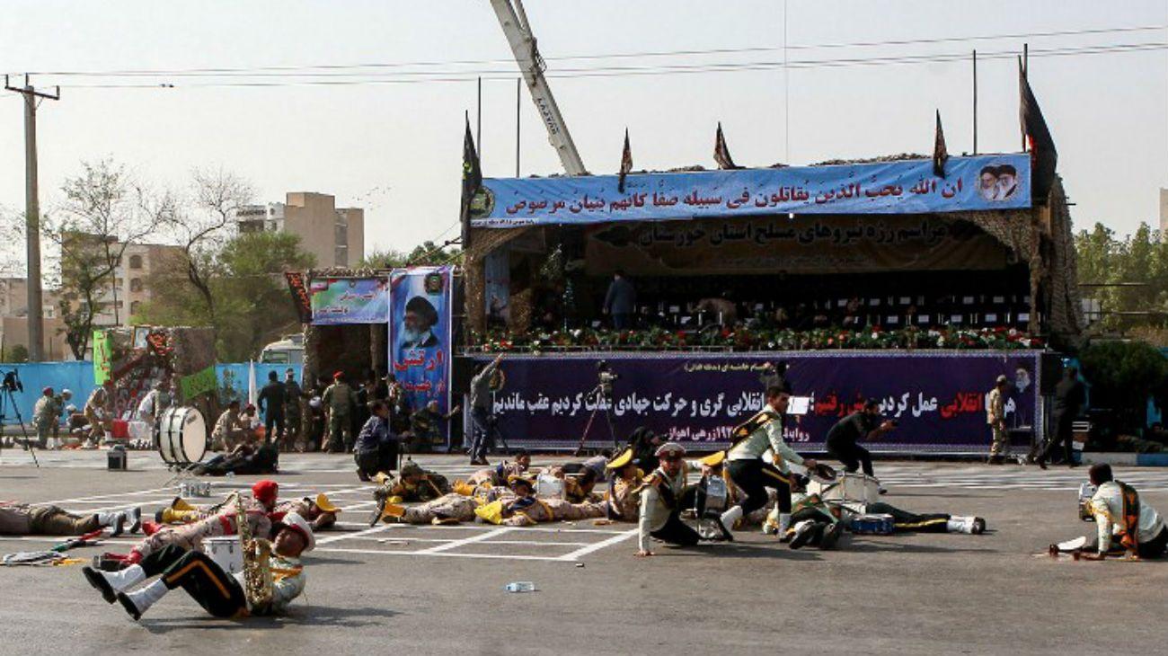Atentado en iran durante desfile militar septiembre