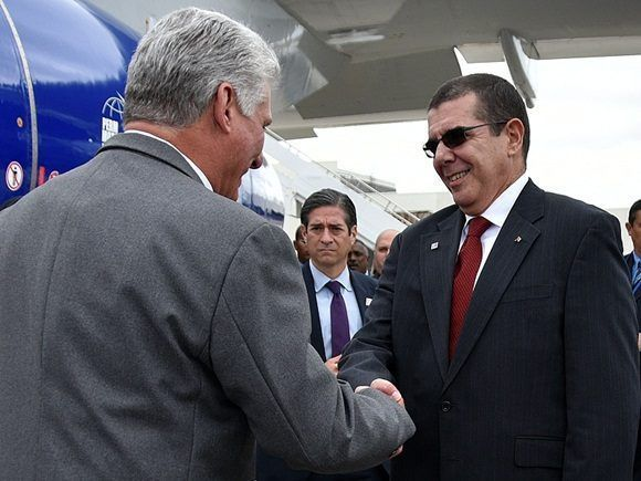 Díaz-canel llega a nueva york junto a su esposa participa en la ONU