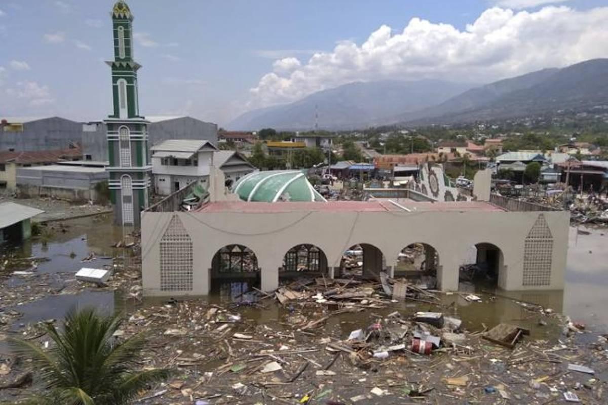 Terremoto y tsunami en indonesia provoca 384 muertos