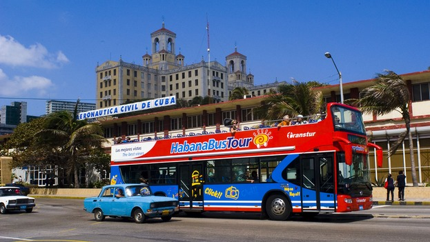 Turistas que visitan cuba lo hacen por la habana más de la mitad
