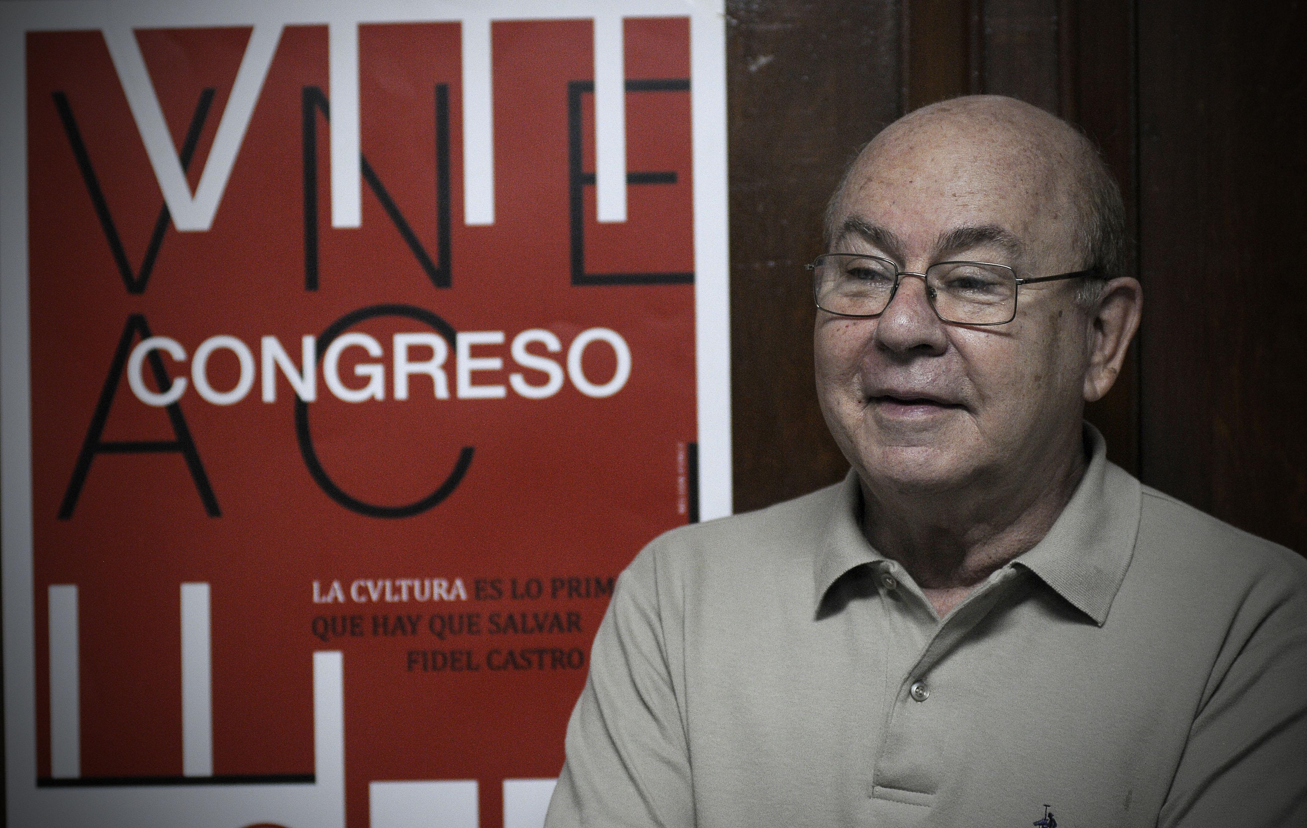 El régimen cubano prohíbe a los intelectuales de la UNEAC debatir la reforma constitución
