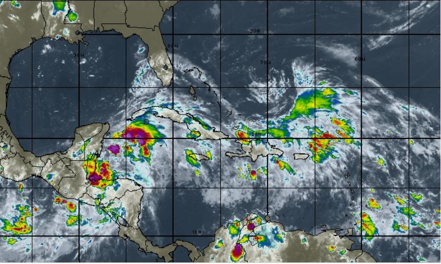 area de lluvias al sur de cuba puede convertiese en tormenta tropical