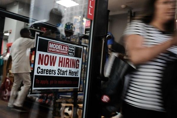 deisminuye el desempleo en EEUU