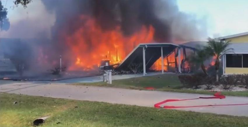 Helicóptero se estrella en sobre una vivienda en la Florida, hay dos muertos