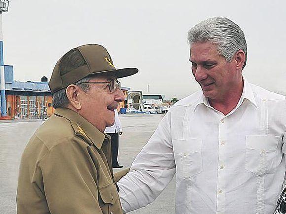 Díaz-Canel sale de La Habana rumbo a una gira por países de Europa y Asia