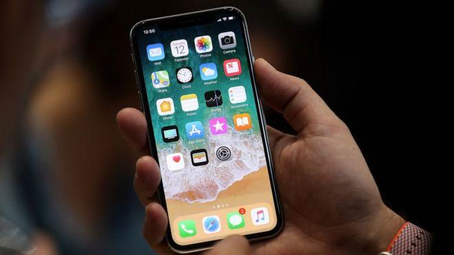 Como Apple solucionara el problema de iPhone X