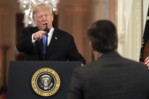 Periodista de la CNN es amenazado por Trump