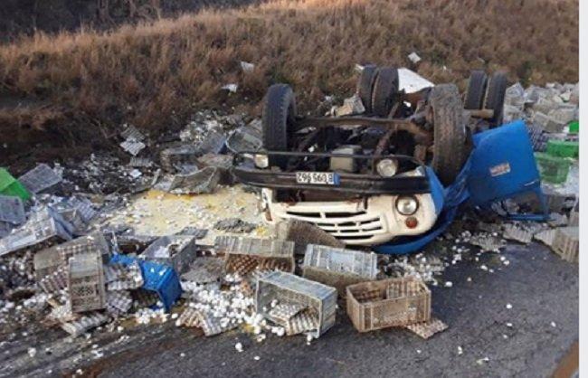 Camión-con-huevos-sufre-accidente-en-Cuba