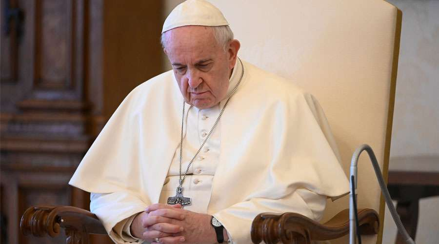 Oración del Papa Francisco por protección contra el coronavirus