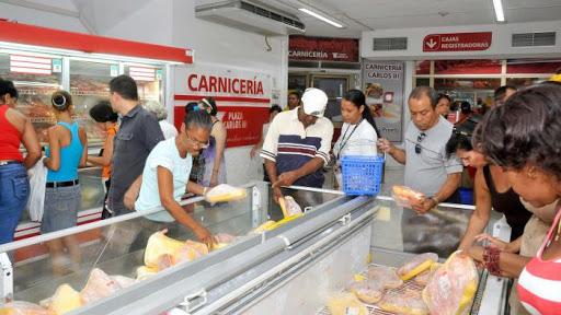 Pollo en tiendas cubanas