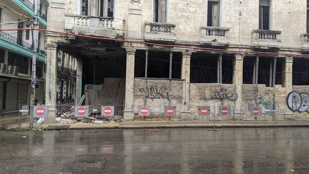 Edificio en deterioro provoca la muerte de una persona