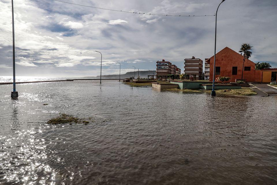 Así quedó Baracoa tras la furia del mar provocado por el huracán Isaías