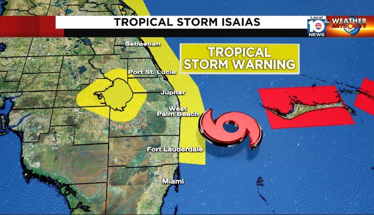 Isaías se debilita frente a las costas de la Florida