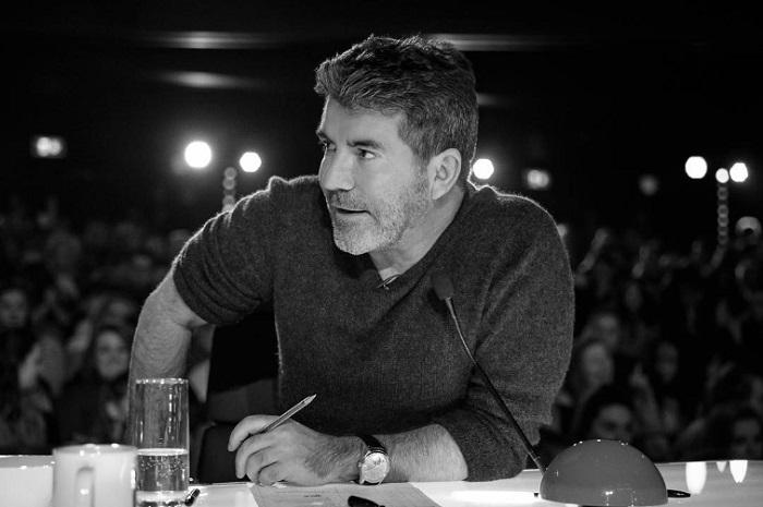Simon Cowell, jurado de Got Talent, sufre un accidente y podría no estar en las finales del show