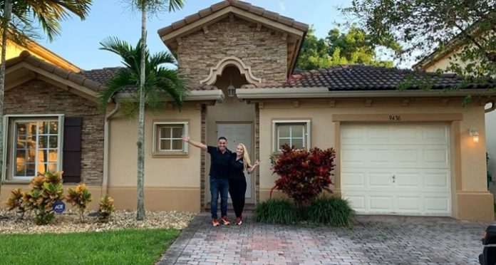 ¡Casa nueva! Actor cubano Mijail Mulkay y su esposa compran propiedad en Miami
