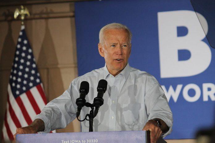 Biden volvió a enfatizar el impacto actual de la pandemia en el país y respaldó su crítica al gobierno anterior con cifras