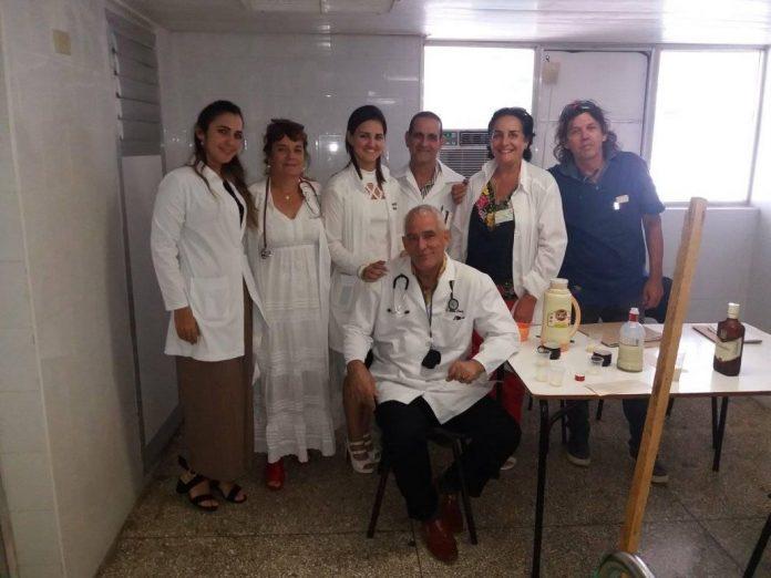 Cuatro médicos cubanos mueren por coronavirus en el exterior