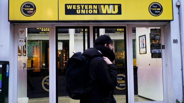 Plantean opciones para continuar el envío de remesas a Cuba por Western Union