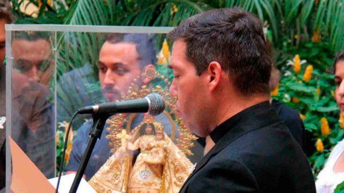 Sacerdote cubano dice que la Iglesia si debe meterse en política