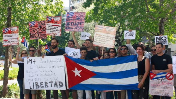 Gobierno chileno informa que rumor de visa de refugio es falso
