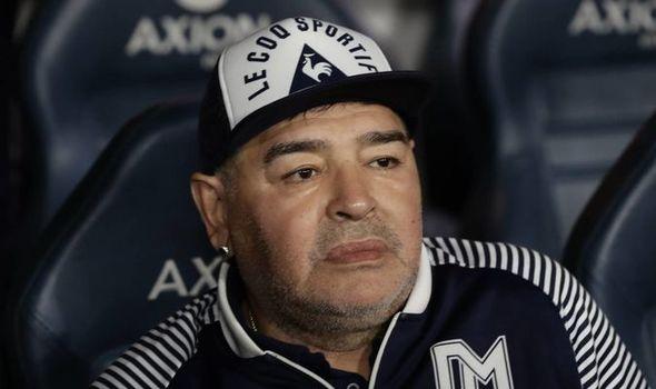Anuncian la muerte de Diego Armando Maradona en Argentina