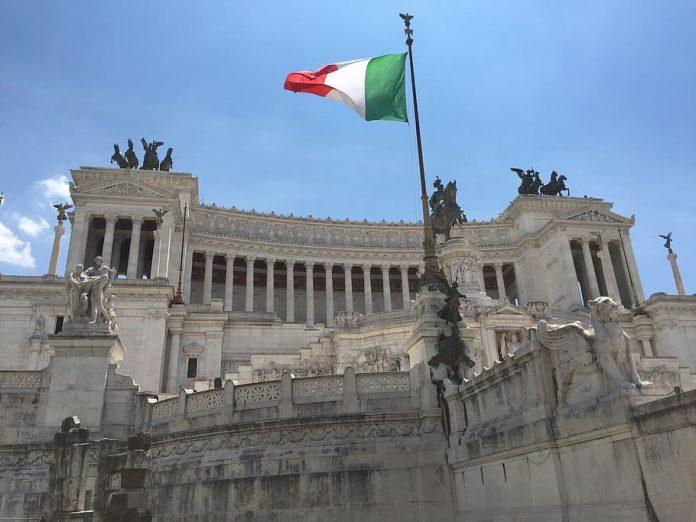 Nuevamente supera Italia los 800 muertos en un solo día