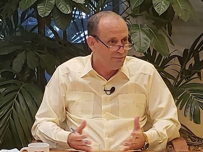 Ministro de Energías y Minas en Cuba